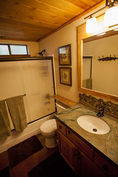 Wildhorn Tahoe Donner Vacation Rental Bathroom 1